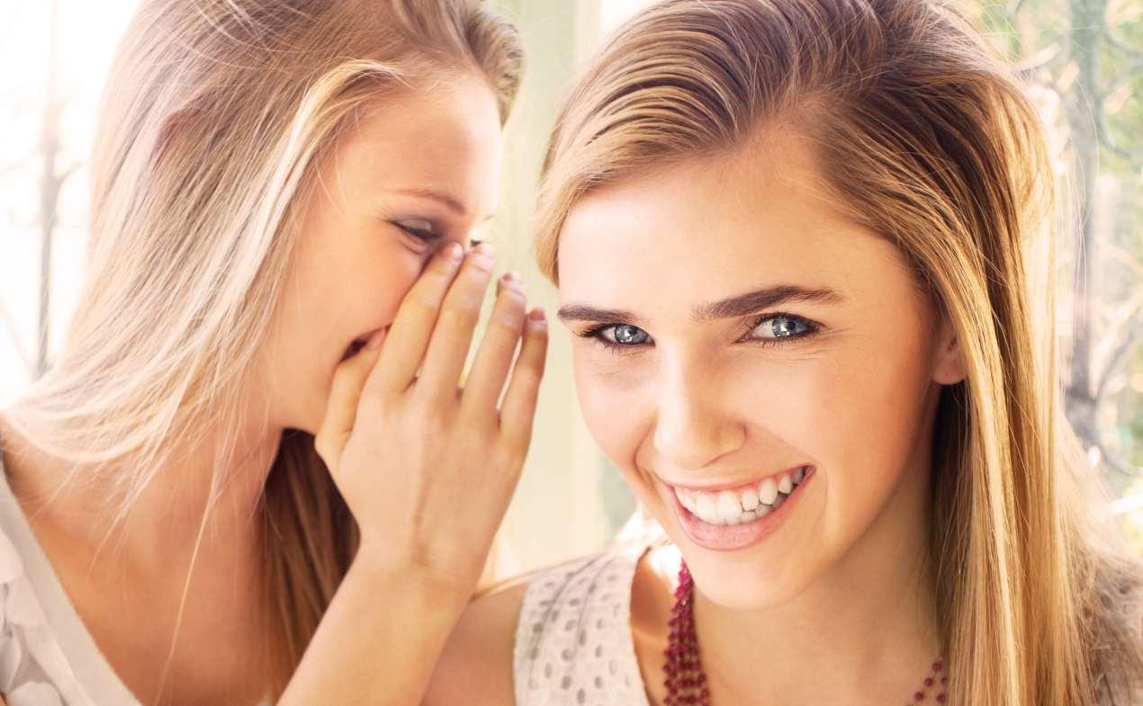 girl-whispering2